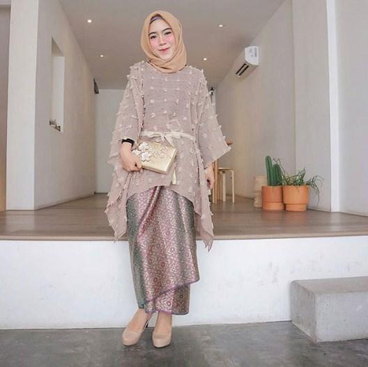 60 Contoh Kebaya Muslim  Modern Terpopuler 2019  Model