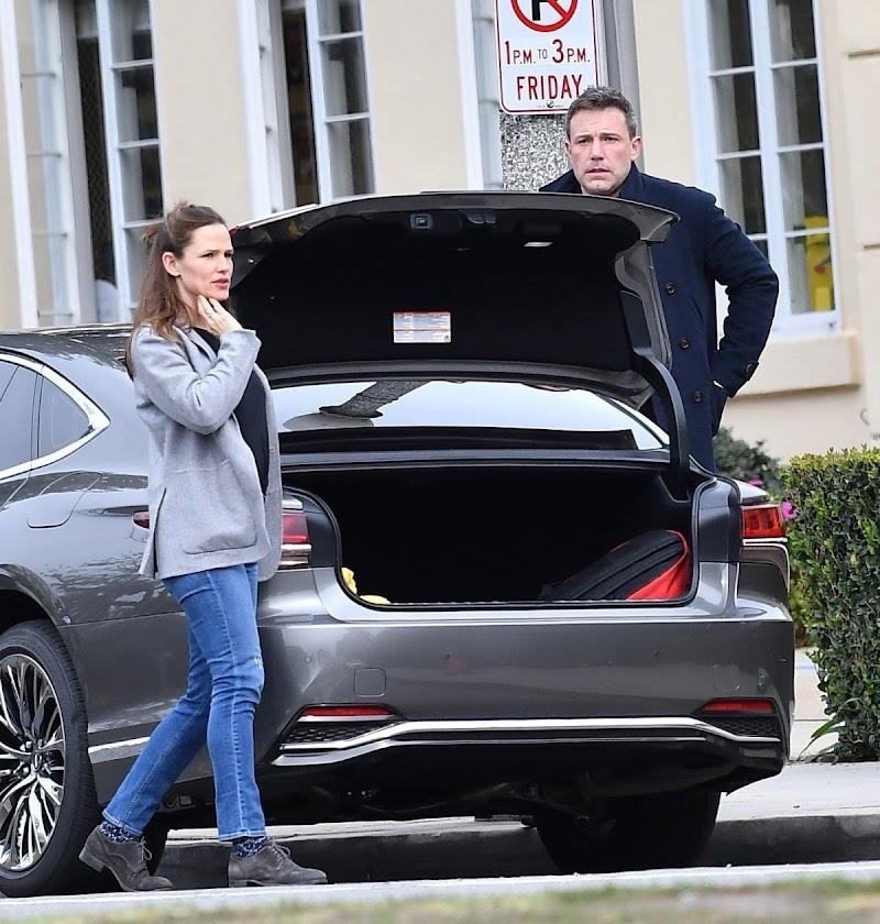 Jennifer Garner and Ben Affleck Clicked Outside in Brentwood 27 Feb-2020