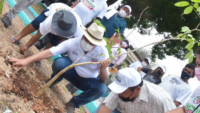 """""""Panchito"""" Torres inicia movimiento ambiental en Mérida"""