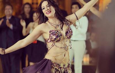 """إيمي سلطان عن موعد عيد الفطر: """"طب آخر كلام أرقص بكرا ولا لأ"""" (صورة)"""