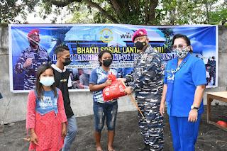 Sambut HUT Ke-76 TNI AL Adakan Bakti Sosial