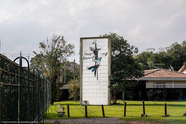 Painel de azulejos de Poty Lazzarotto