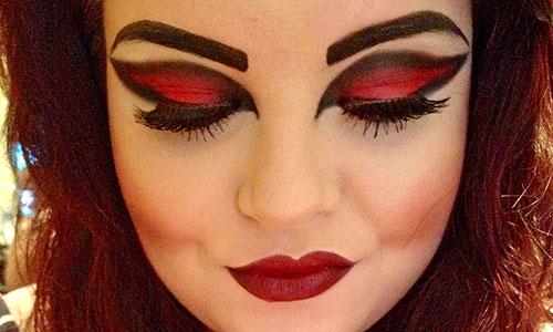 Maquillar ojos con pintalabios rojo