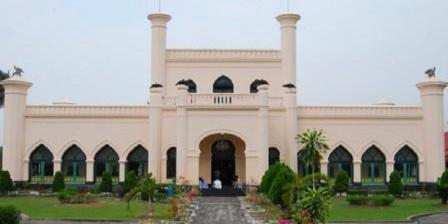 Istana Siak Sri Indrapura istana siak sri indrapura adalah peninggalan sejarah dari kerajaan istana siak sri indrapura terletak di istana siak