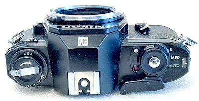 Nikon EM, top