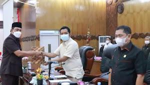 Wakil Bupati Tanjabbar Hadiri Paripurna Ketiga DPRD