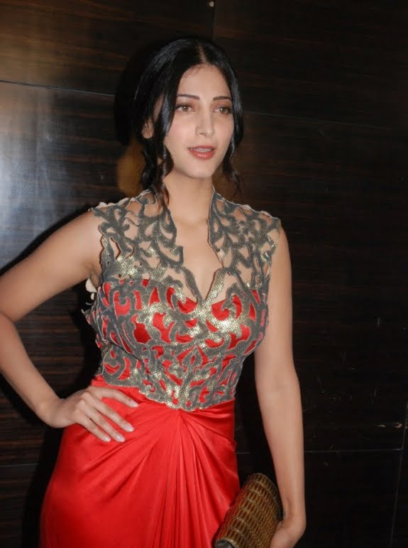 Bollywood Shruti Haasan Sleeveless Stills In Red Dress