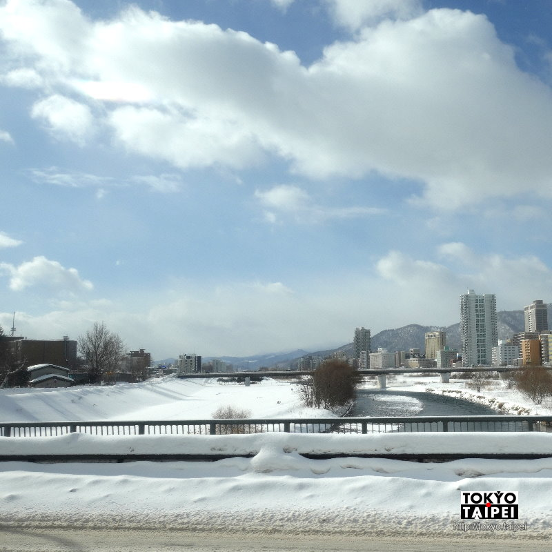 【函館特急New Star號】從札幌到函館最便宜交通 6小時公路雪地旅行