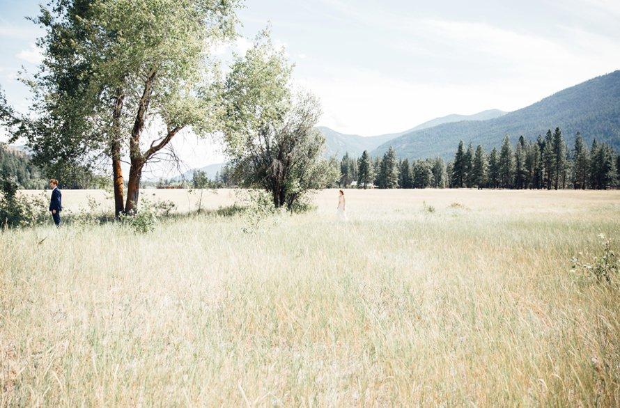 Intimate Mazama Ranch House Wedding by Something Minted Photography