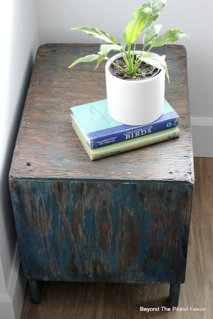 Chippy Thrift Store Wood Crate Table