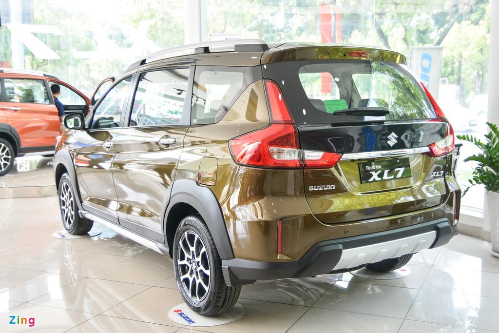 Suzuki XL7 vừa về đại lý, SUV giá từ 589 triệu đồng