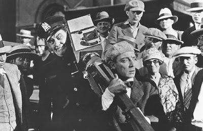 The Cameraman - Buster Keaton and Harry Gribbon (crowd)