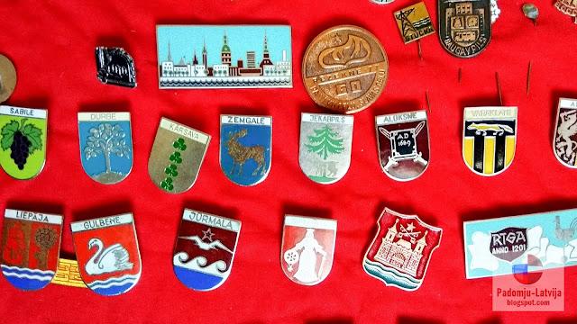 коллекция значков советской латвии риги