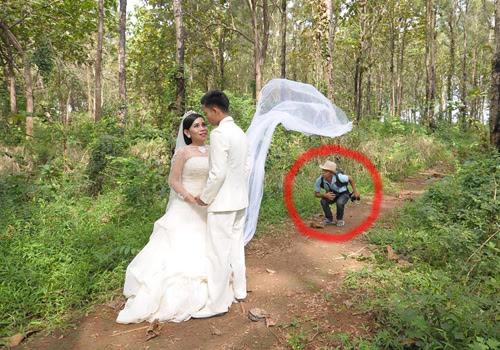Fotografer Pernikahan Pre Wedding: Aksi Fotografer Dan Asisten Fotografer Foto Prewedding