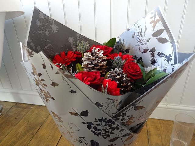 Festive Flowers wrap