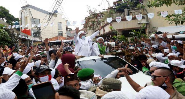 Jusuf Kalla Sebut Habib Rizieq sebagai Pemimpin Karismatik