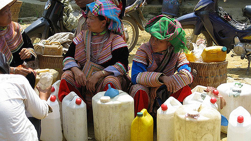 9 interesting experiences when participating in the Bac Ha highland market 1
