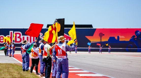 Komunikasi Visual: Arti Warna Bendera di Balapan MotoGP