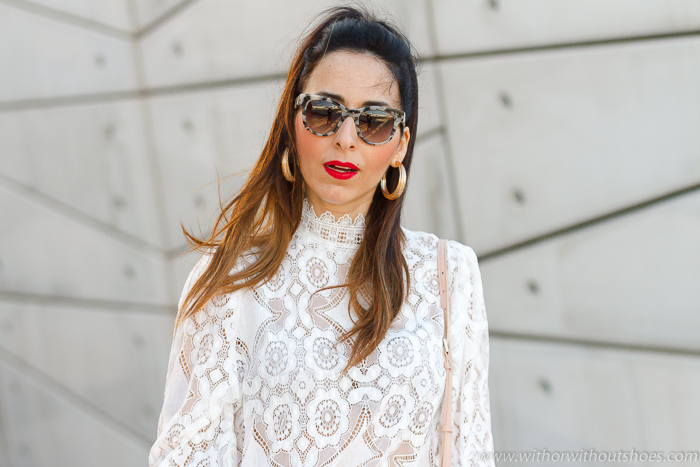 La blusa de encaje blanca de Zara más viral de la temporada
