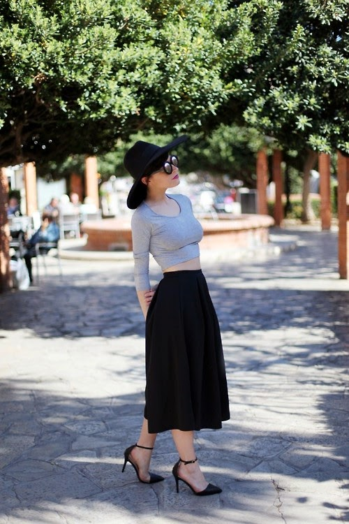 539d8c878a We love moda  Faltas semi largas  desde tu cintura.