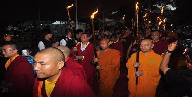 Tradisi Buddha yang Ada di Indnesia