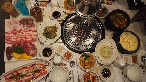 Fantastic Baka: unlimited premium meat choices starting at 499 pesos!
