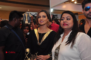 Bollywood Actress Sana Khan Launches Aakrithi Exibition  0319.JPG