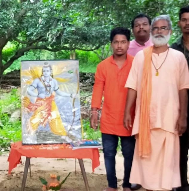 స్వామి లక్ష్మణానంద సరస్వతి ఆశ్రమం పేల్చివేస్తామంటూ బెదిరింపులు - Swami Laxmanananda in Kandhamal, his Jalespata Ashram gets death and bomb threats