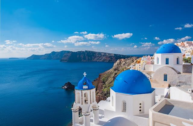 best places around the world for cheap destination weddings, Santorini