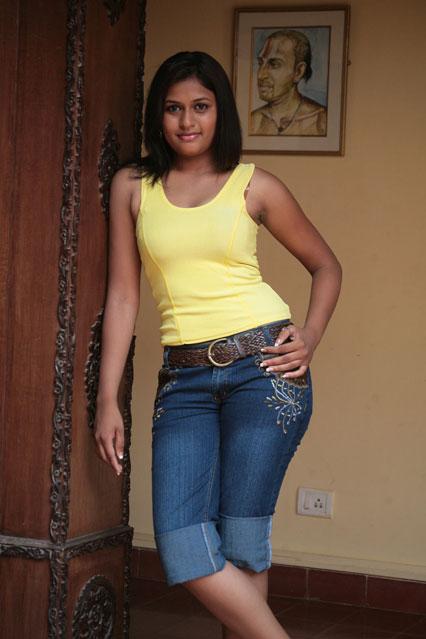 movie Actress hot pics: Actress Laila majnu hot in Jeans | 426 x 639 jpeg 45kB