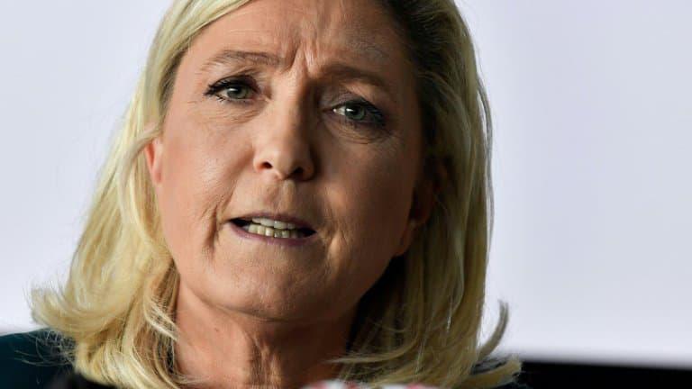 VIDÉO - 150 ans de la République : Marine Le Pen à devancée Macron avec une vidéo surprise