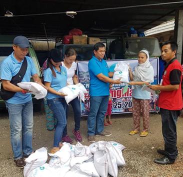 How Toti Montilla gains trust in distributing relief goods