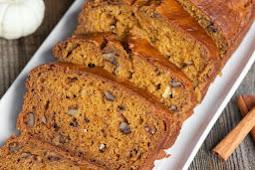 {Super Moist} Homemade Pumpkin Bread Recipe | Self Proclaimed Foodie