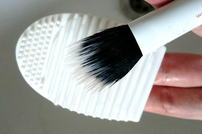 silicone makeup brush cleaner after