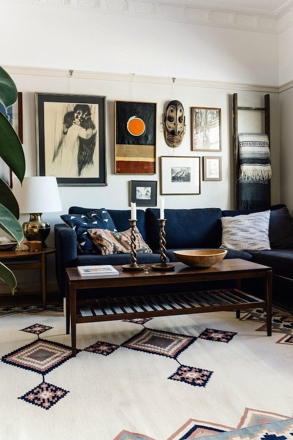 Beautiful 1920 39 s home decorated on a shoe string budget for Room design reddit