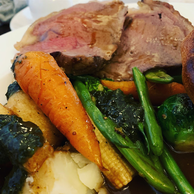 The Caxton Arms beef Sunday lunch
