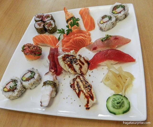 Pratos do restaurante japonês Sushi Lika, em São Paulo