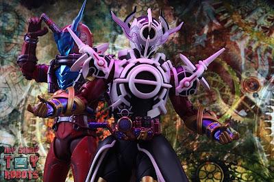S.H. Figuarts Kamen Rider Evol Black Hole Form (Phase 4) 39