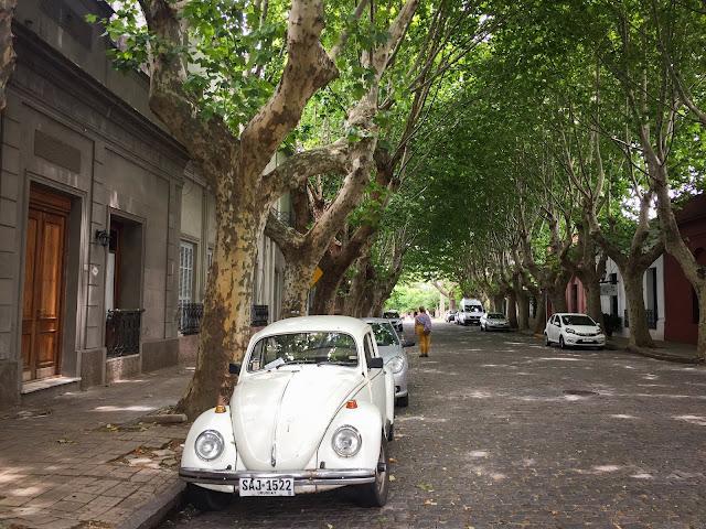 Strazile din Colonia, Uruguay