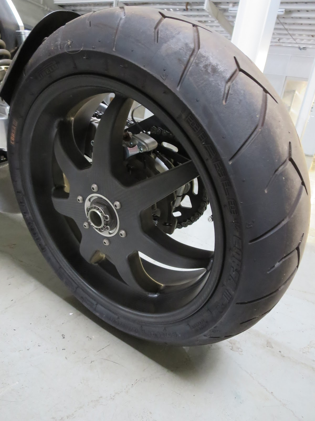 Confederate Wraith B120 Carbon-Fibre Rear Wheel