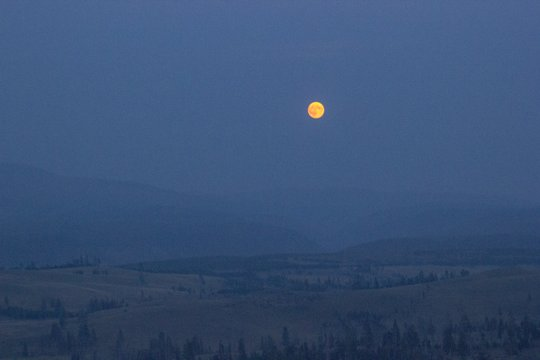 Yellowstone full moon moonrise