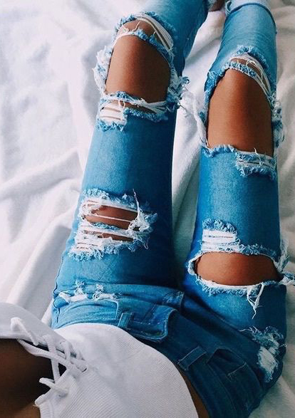 Best Spring Gorgeous Jeans Outfits #SpringOutfits #Jeans