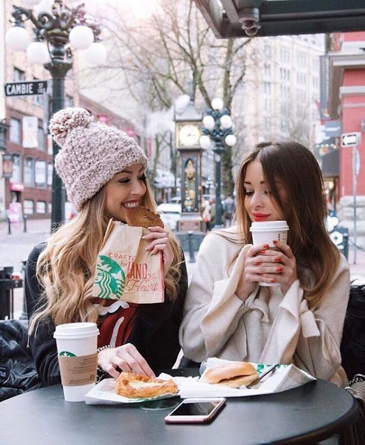 THE TRUTH ABOUT FRIENDSHIPS IN YOUR TWENTIES