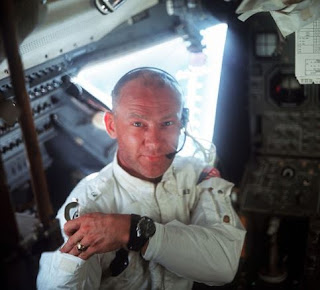 Buzz Aldrin'in Annesinin evlenmeden önceki soy adı Nedir
