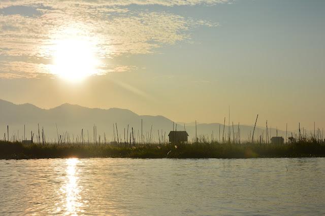 Maison sur pilottis aux abords du Lac Inle