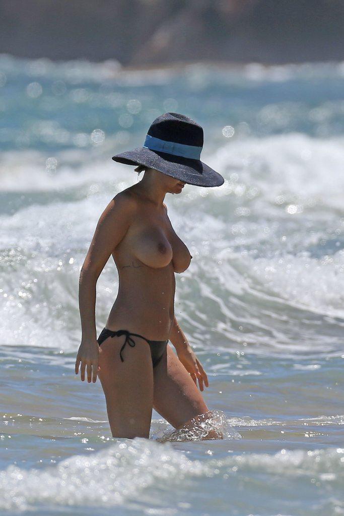 Bingle hawaii beach lara nude