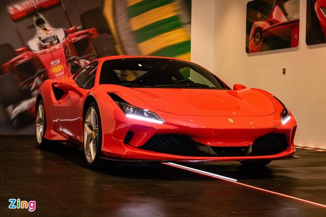 Bán một chiếc Ferrari lãi bằng bán 67 xe Mercedes
