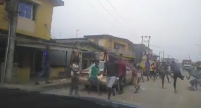 (video) Angry Youths reacts has loaf of bread is been given to them during covid-19 lockdown