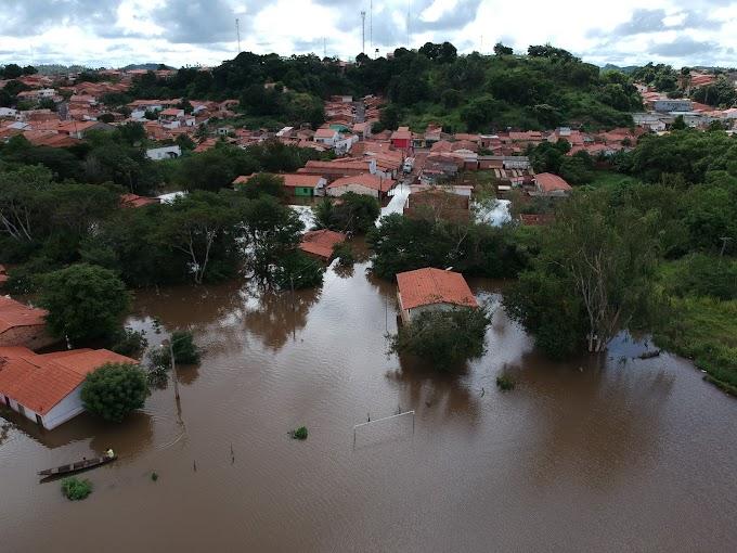 Pedreiras: mais de duas mil pessoas desabrigadas ou atingidas pelas cheias do Rio Mearim.........