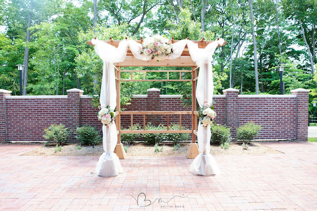floral arch at Noah's Event Venue in Auburn Hills Michigan